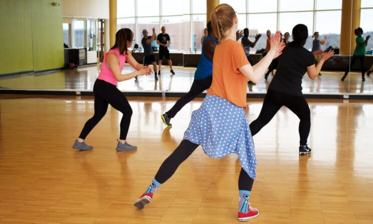 11 Best Free Zumba Apps (Android/iPhone) to Fit & Shape Up Your Body